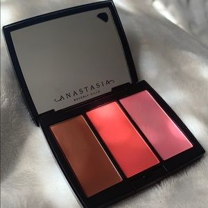 "✨NEW✨ Anastasia Beverly blush ""Cocktail Party"""